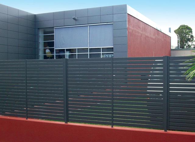 Hàng rào cửa bằng nhôm